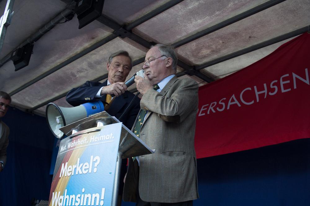 Armin-Paulus Hampel und Alexander Gauland bei einer AfD-Wahlkampfveranstaltung am 06.09.2016 in Uelzen